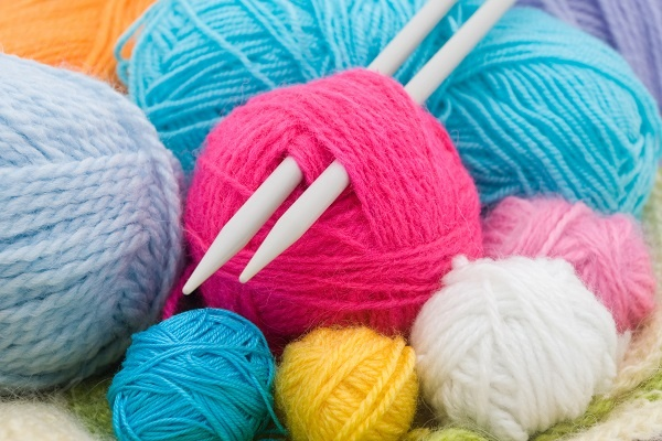 event_yarn_and_knitting_needles_54629356